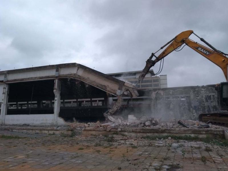 Demolição Alvenaria Orçamento Embu Guaçú - Demolição de Galpão