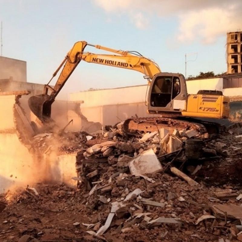 Empresa para Demolição com Retroescavadeira Santa Cecília - Demolição de Piso